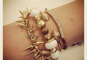 Who doesn't love a good arm party?!