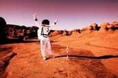 AN ASTRONAUTS ON THE MARS