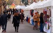 Fira d'aliments i vestimenta típica de Catalunya