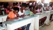 Escuela secundaria en Malabo