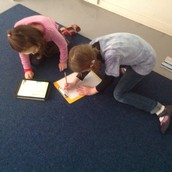 2b students using the ipads to do some unit research