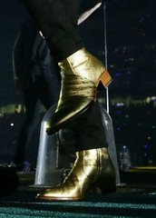 Harry Styles' Gold Boots: