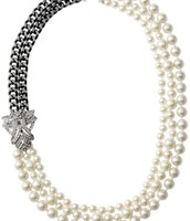SOLD--Daisy Pearl Necklace--$55