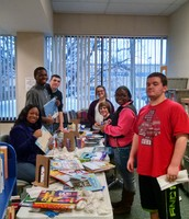 Decatur HS volunteers help out at the Public Library