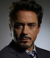 Frank (Robert Downey Jr)