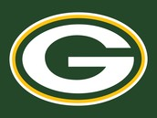 green bay packers wives helping the zoo animals