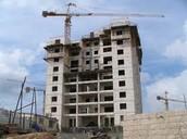 האם השלטון אחראי על בניית בתים?