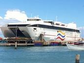 Un Barco Para Viajar a la Isla de Margarita