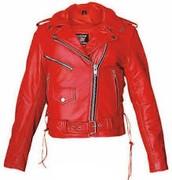 la chaqueta es de sólo un color rojo y esta hcech de cuero y es apretado