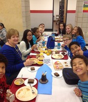 5th Grade Teachers enjoying lunch with their students.