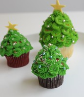 Holiday Tree Cupcakes!