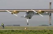 NOTICIA DEL 12 DE MARZO:                                   Comienza/begin el viaje/travel del avión que se abastece/supply de energía solar!