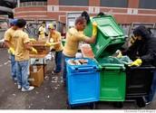 Il y a des organisations qui font des choses pour aider à recycler