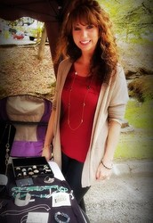 Jennifer VP of Sales & Fashion Director!