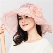 Un chapeau de soleil en soie