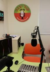 בואו לחגוג אתנו שנה לתחנת הרדיו החינוכי קול יבנה