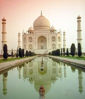This here is the Taj Mahal.