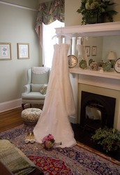 Five rooms to accommodate your wedding party and family.