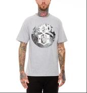 La Camiseta Gris