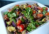 Groente salade met verschillende zaden