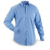 La camisa azul cuesta $18 dólares.