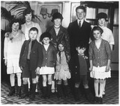 This is an immigrant family from ireland. Look in the (Where do immigrants come from?) section to learn more.