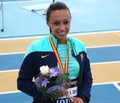 Ana aceptar la medalla