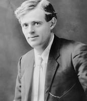 circa 1905: US novelist Jack London (1876 - 1916)