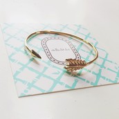 Guilded Arrow Bangle, gold