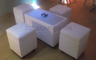 Sala lounge para cuatro personas con mesa iluminada $400