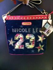 Nicole Lee es en una empresa para asumir la nueva era de los bolsos.