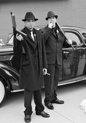 Gangsters rise in the 1920's