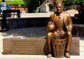 The sculpture of Naismith in Almonte (Ontario, Canada)