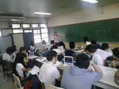 Con los mejores profesores para la educación