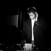 DJ Salsa Pleasure