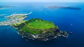 要是你喜欢 traveling, 你去 Jeju Island.