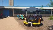 4th Grade having lunch in Cochran's garden