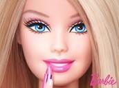 Cuando yo era joven jugaba con la Barbies.