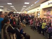 Big Crowds Fill Barnes&Noble