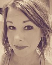 Trailblazer Bronzer Beautytainer with Tyra Beauty - Molly Bertram