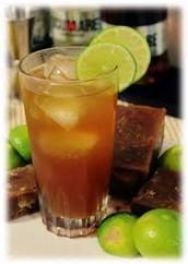 La original te ofrece una deliciosa morcilla malagueña que puedes acompañar con una refrescante limonada de panela.