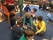 א2 בפעילות קריאה בספריה