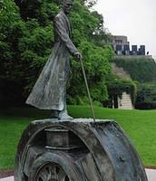 Споменик Тесли на Нијагари