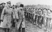 Churchill with soldiers