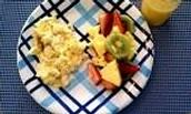 Huevos y fruta   46Q