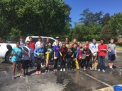 Gators of the Week:  National Honor Society Washes Cars for a Great Cause