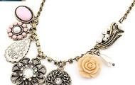 Vintage Gold Flower Rose necklace