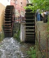 Clasicas turbinas de agua