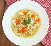 Jueves Almuerzo: Sopa De Pollo con Fideos