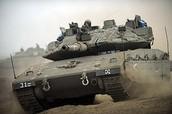 """טנק מרכבה סימן 4 עם מערכת """"מעיל רוח"""" מורכב עליו."""